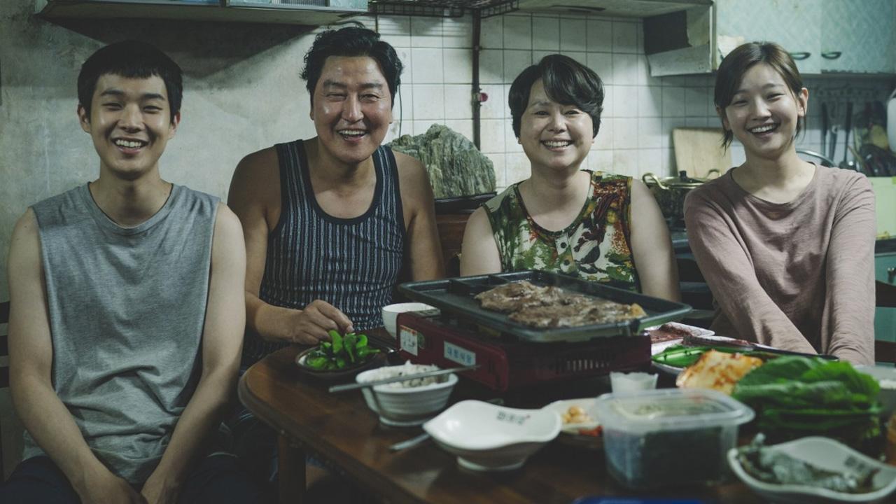 In foto Song Kang-ho (54 anni) Dall'articolo: Parasite fa meglio di Muccino. Torna suo il primo posto al box office.