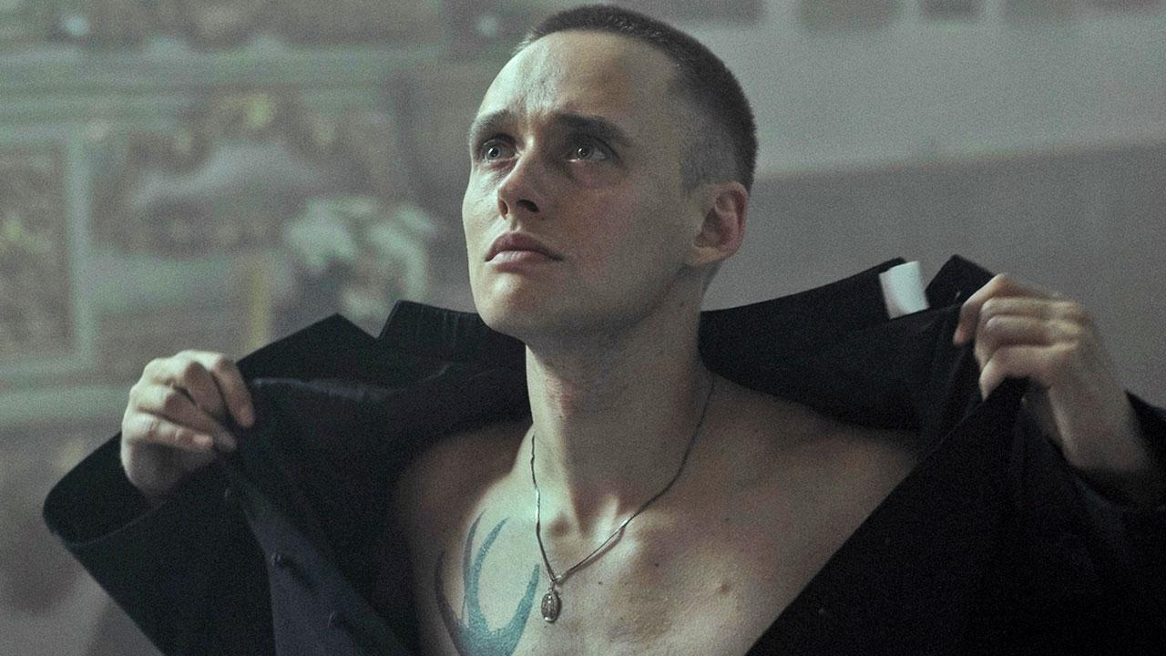 In foto Bartosz Bielenia (29 anni) Dall'articolo: Corpus Christi, nella storia di un 'prete abusivo' il ritratto di un Paese ripiegato su se stesso.
