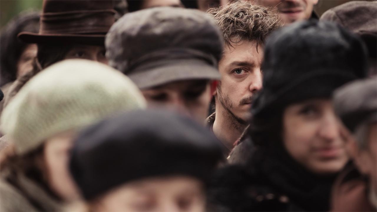 In foto Nahuel Pérez Biscayart (35 anni) Dall'articolo: Lezioni di persiano, il trailer italiano del film di Vadim Perelman.