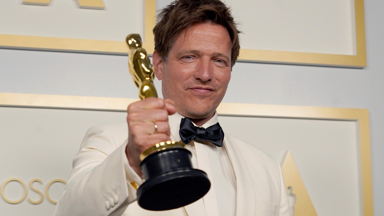 In foto Thomas Vinterberg (52 anni) Dall'articolo: Oscar 2021, è il trionfo di Nomadland - Tutti i vincitori.