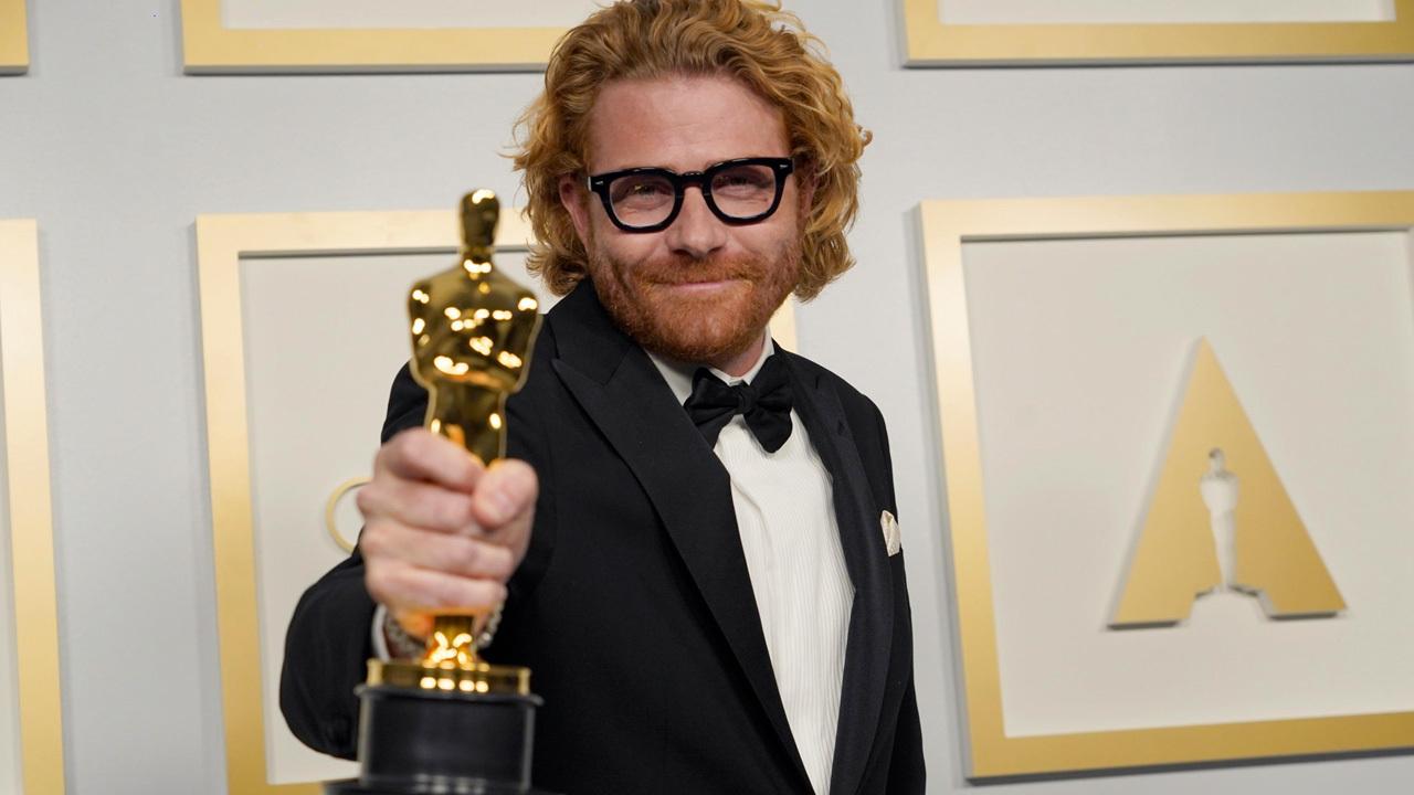 Il vincitore dell'OscarErik Messerschmidt. -  Dall'articolo: Oscar 2021, è il trionfo di Nomadland - Tutti i vincitori.