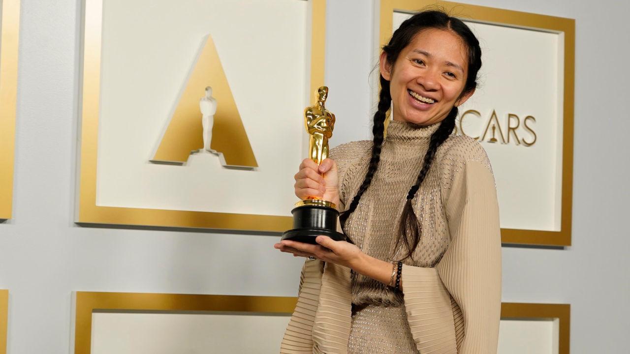 Oscar 2021, Chloé Zhao si aggiudica la statuetta per la Miglior Regia per Nomadland
