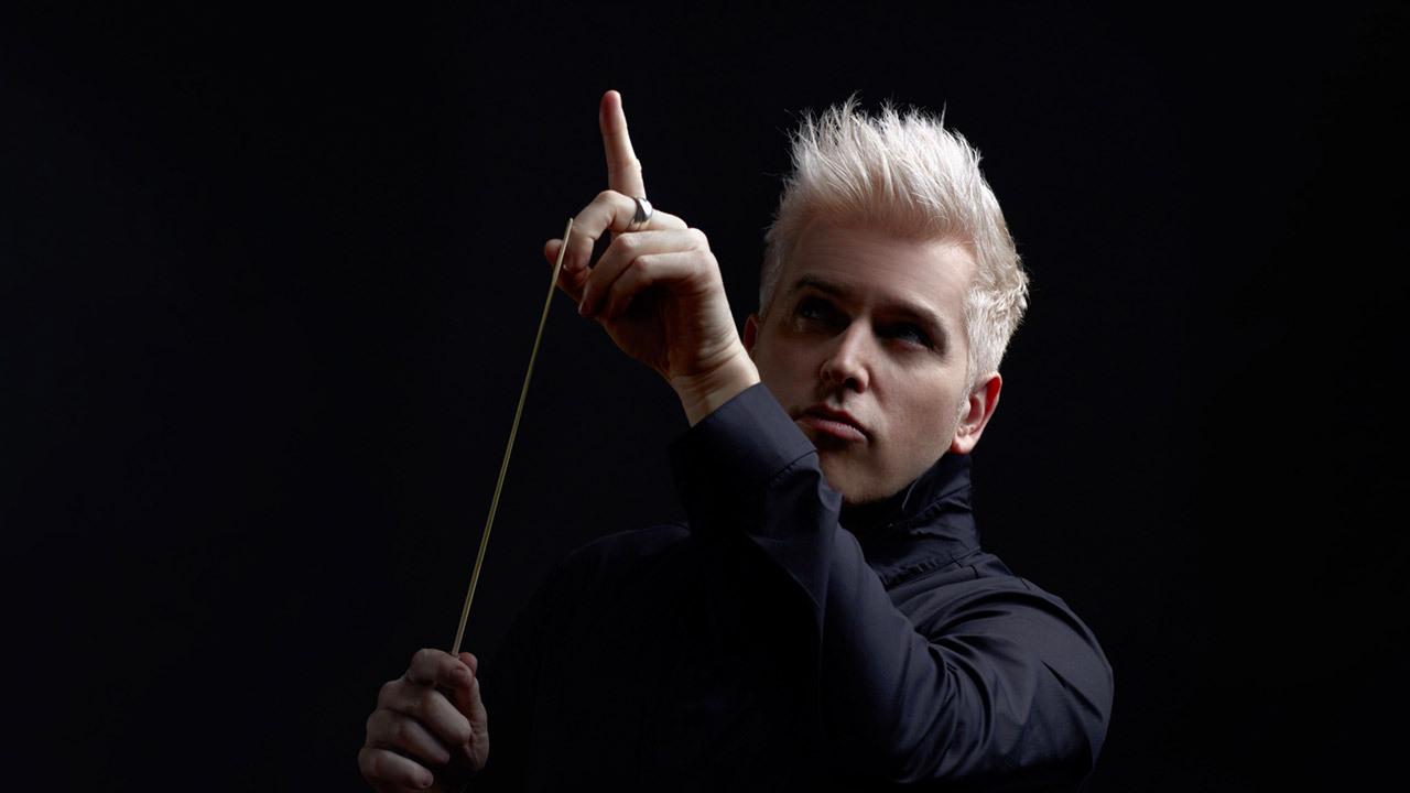 Dan Ettinger, il concerto del San Carlo pullula di emozioni: dall'astratto al capriccioso