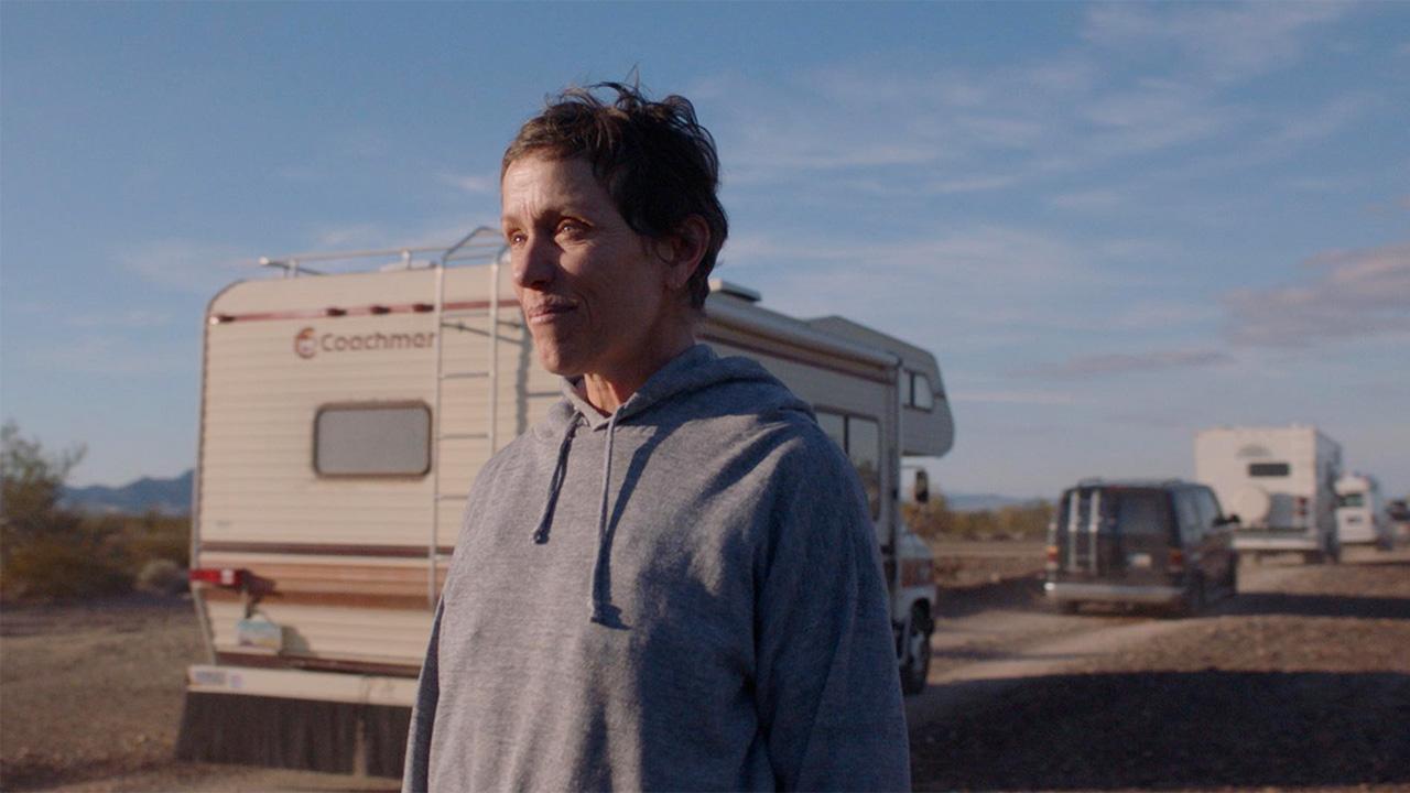 In foto Frances McDormand (64 anni) Dall'articolo: Box office: il lunedì premia Nomadland, ormai vicino al mezzo milione di euro.