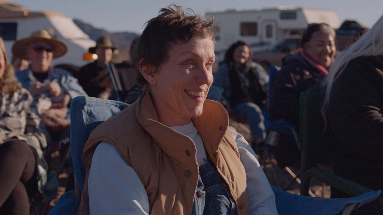 In foto Frances McDormand (64 anni) Dall'articolo: Nomadland non ha rivali: superato il mezzo milione di euro al box office.