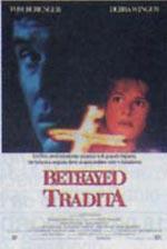 Trailer Betrayed - Tradita