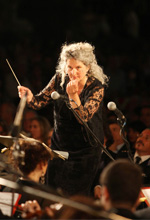 Johanna Knauf Direttrice d'Orchestra: Music To the People!