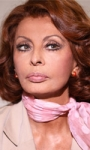 Fiction & Series: Da Sophia Loren la casa è piena di specchi