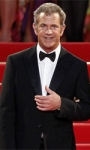 Mel Gibson sorprende la stampa