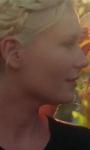 Il corto di Kirsten Dunst contro la selfie mania