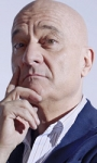 The Comedians, stasera parte la serie comedy con Claudio Bisio e Frank Matano