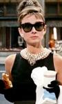 Colazione da Tiffany, un cult intramontabile con un'iconica Audrey Hepburn
