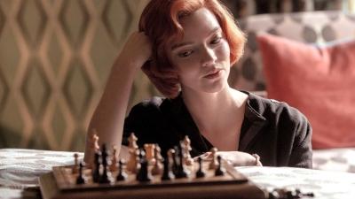 La regina degli scacchi, una serie ambiziosa diventata fenomeno