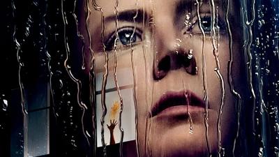 La donna alla finestra, thriller psicologico d'antan con una vibrante Amy Adams